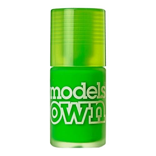 Closeup   631 modelsown web