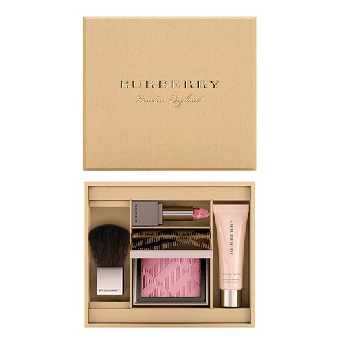Closeup   4014169 burberry anniversary beauty box web
